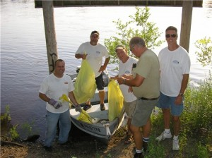 River cleanup on Earth Day